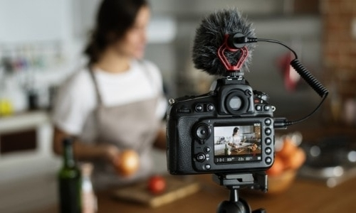 How-Video-Content-Enhances-Your-Ecommerce-Efforts-EN